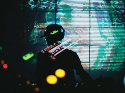 Predstavujeme: Moskalus je kultová osobnosť lo-fi houseovej virtuálnej scény