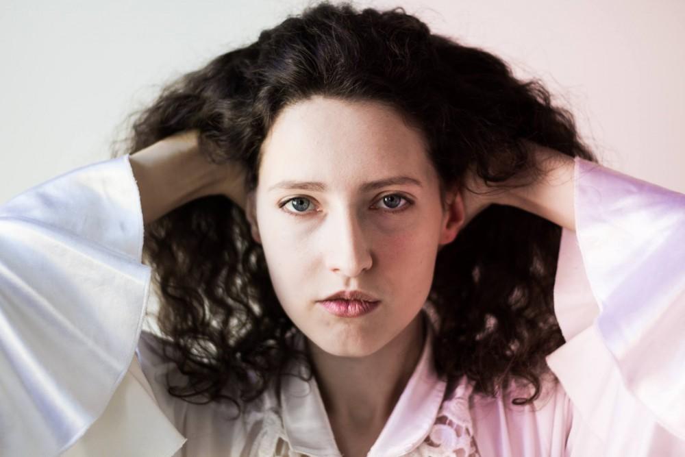 Dmitrievna je ukrajinsko-česká speváčka, o ktorej ešte budete počuť (rozhovor)