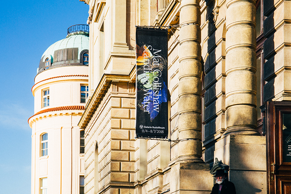 "Galerie Rudolfinum predstavuje výstavu Mata Collishawa ""Standign Water"" (fotoreport)"