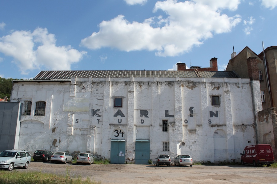 Známe pražské ateliéry a výstavné priestory Karlin Studios v srdci Karlína končia