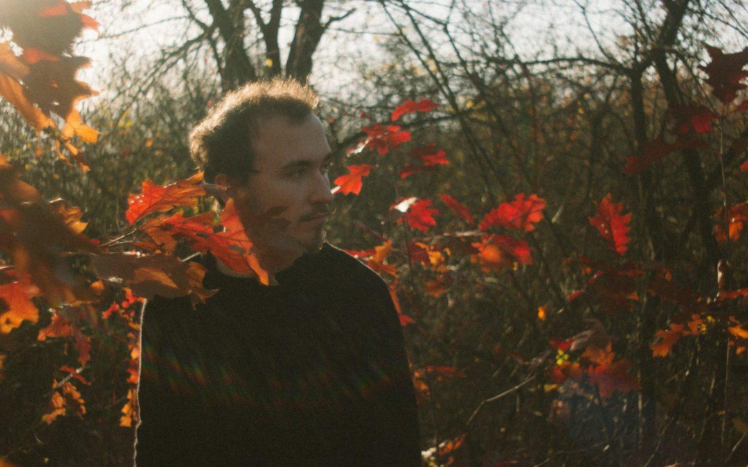Neznámy producent Jeseň a jeho melanchóliou nabité skladby (rozhovor)